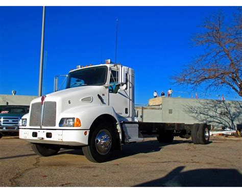 kenworth medium duty trucks 2005 kenworth t300 medium duty cab chassis truck for