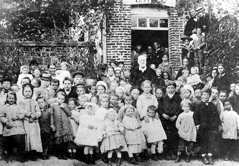 les enfant file victor hugo et les enfants en 1882 jpg wikimedia commons