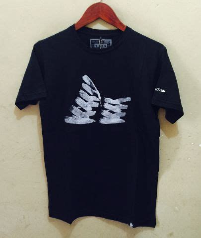 Kaos Surfing Maternal A 9102 macbeth cyrcleart shop