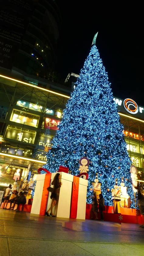 christmas traditions in thailand ᏟᎻᎡḭᏚᎢᎷᎪᏕ lights nights