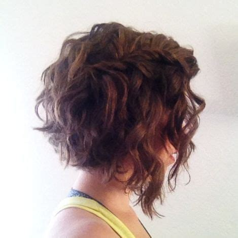 how to cut a aline bob on wavy hair short wavy curly hairstyles angled bobs wavy hair and