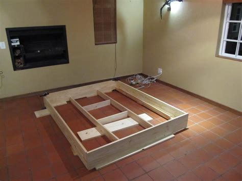 Platform Bed Frame Diy Diy Floating Platform Bed Floating Platform Platform Beds And Bedrooms