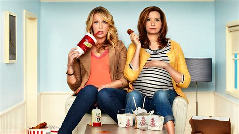 playing house lennon parham and jessica st clair talk playing house