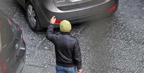 questura di salerno ufficio porto d armi cronaca di napoli parcheggiatore abusivo spara tre