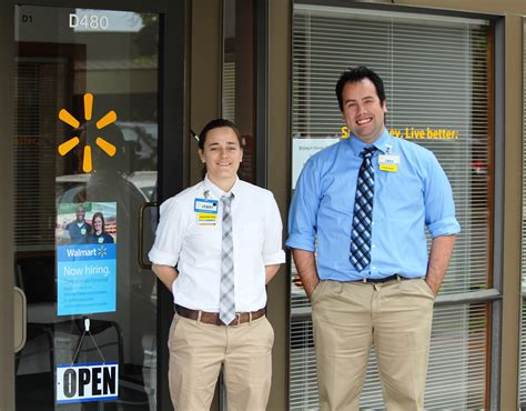How To Hire An Assistant Manager Wal Mart Opens Hiring Office For New Store On Everett Mall