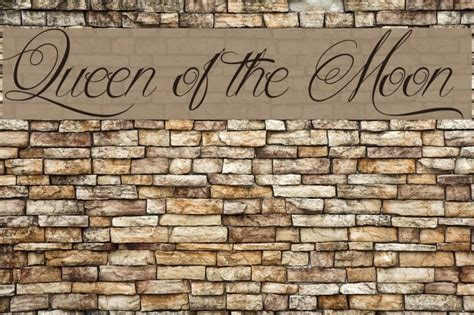 queen   moon font ffontsnet