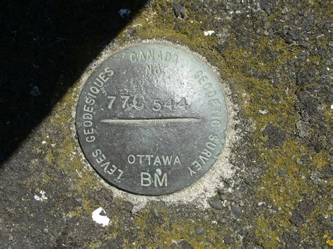 bench mark file qualicum bench mark gsc 77c544 jpg wikimedia commons