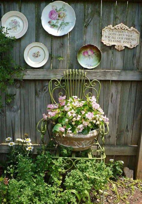 creative    fence decorating ideas