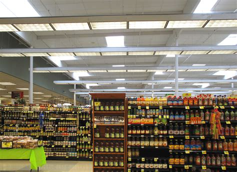 grocery store shelves file shelves in a ralphs grocery store jpg wikimedia commons