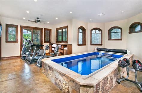 fitnessraum zu hause schwimmbecken zu hause 50 design ideen f 252 r den eigenen