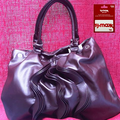 Can You Use Tjmaxx Gift Card At Marshalls - tj maxx marshalls handbag and gift card giveaway the fashionable housewife