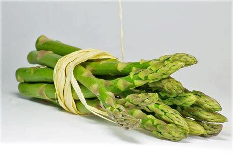 cucinare asparagi e uova come pulire gli asparagi misya info