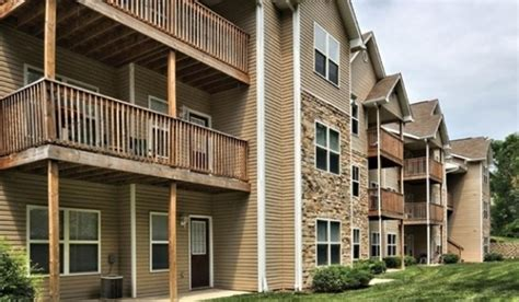 bloomington appartments bloom apartments rentals bloomington in apartments com