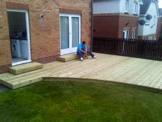 Decking Ideas For Small Gardens Merry Decking Designs For Small Gardens Garden Ideas We Often Find That It39s The Give Us T8ls