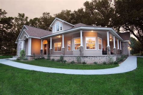 selecting ranch style homes with wrap around porches
