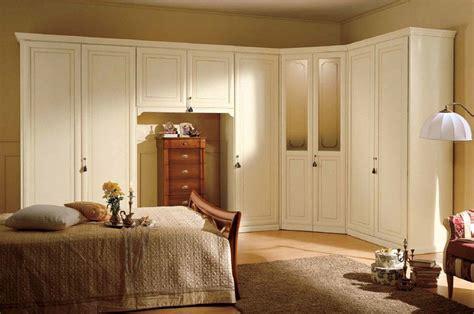 armadi angolari per da letto magia angolare camere da letto classiche mobili sparaco
