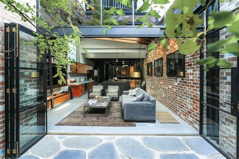 gorgeous apartment     commercial garage