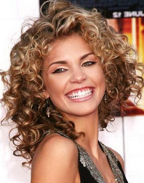 Shoulder Length Hairstyles Curly shoulder length curly hairstyles