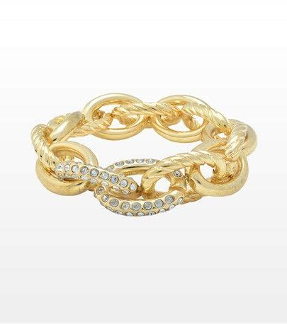 The Golden Accessories For This Fall by Dynholiday Chain Reaction This Chain Bracelet Will