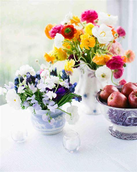 Floral Centerpiece Idea For Casual Weddings by 39 Simple Wedding Centerpieces Martha Stewart Weddings