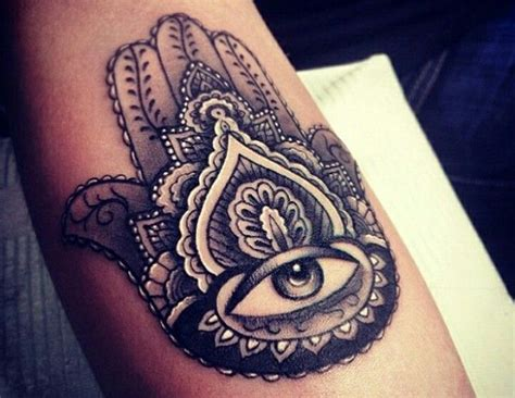 tattoo of eye in palm of hand hamsa hand and evil eye tattoo tattoo ideas pinterest