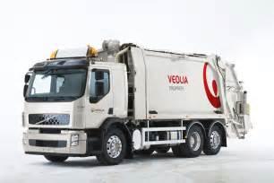 Garbage Truck by Volvo S Hybrid Heavy Duty Garbage Trucks Lovetomorrowtoday