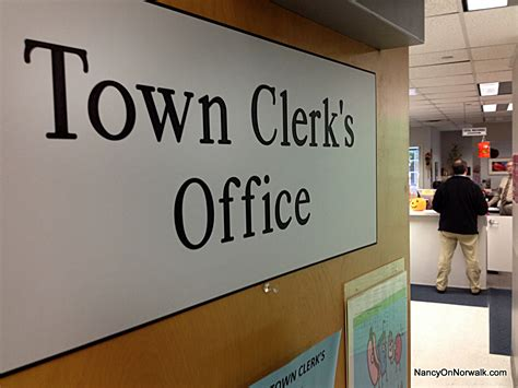 New York City Clerk Of Courts Search Warrant Accused Norwalk Assistant Clerk Porous Office Procedures Nancy On