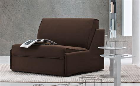 la poltrona la poltrona letto comoda e di piccole dimensioni divani