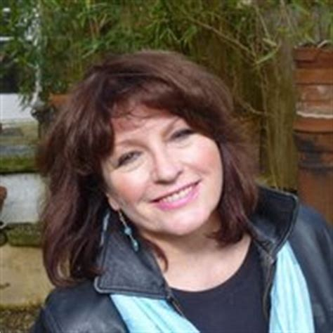 julie wassmer (author of the whitstable pearl mystery)