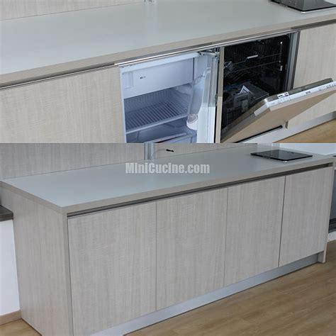 cucina bassa cucina armadio a scomparsa su misura bassa