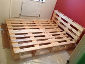 how to make a l out of wood 17 best ideas about pallet beds on palette bed