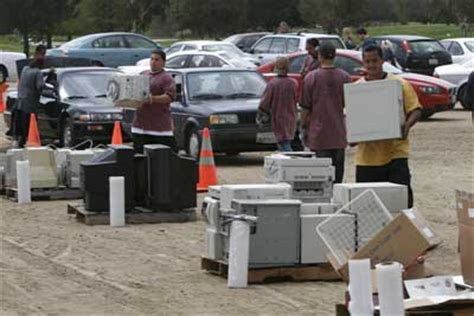 reduce, reuse, recycle e waste | howstuffworks