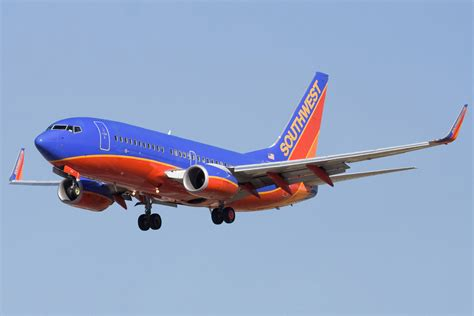 southwest airlines file southwest airlines boeing 737 7h4 n231wn jpg