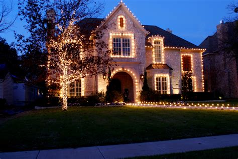professional outdoor christmas lights lit professional lighting exterior landscape lighting