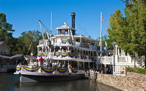 boat ride disney former disney staffers share their best hacks for the