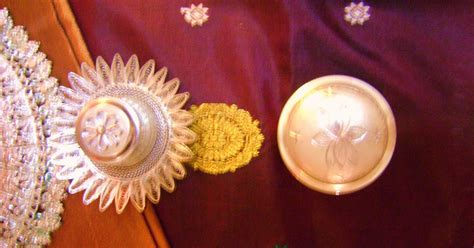 Ratri Cape Qilla 4 rainbow the colours of india silver and silk an indian tablescape on the autumn festive