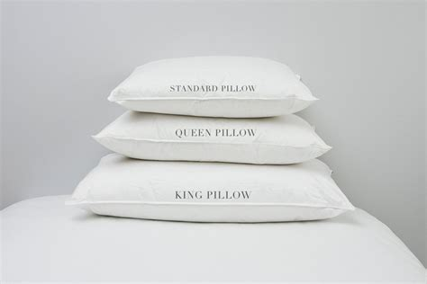 Pillow Sizes For Bed by Pillow Sizes Standard Or King Au Lit