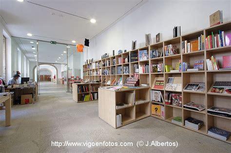 librerias vigo fotos de tienda librer 205 a del museo marco de vigo vigo