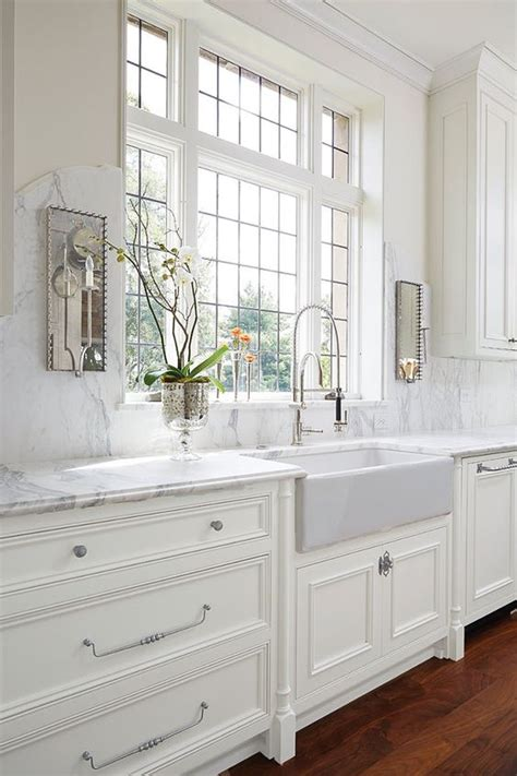 pinterest kitchens with white cabinets the white kitchen is here to stay decor gold designs