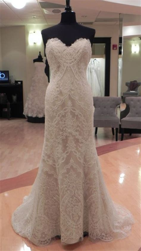 Lace dress  Marisa 898 NEW UNWORN/UNALTERED FOR SALE