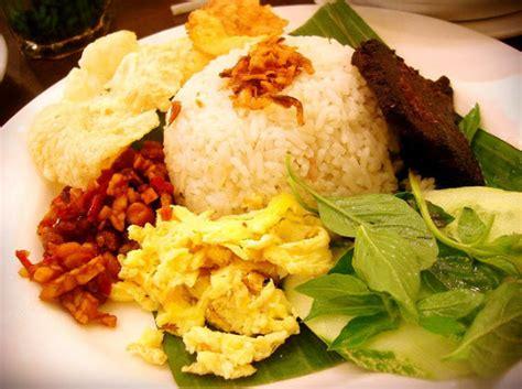 cara membuat nasi uduk dan lauk nya resep dan cara membuat nasi uduk enak dan komplit khas betawi
