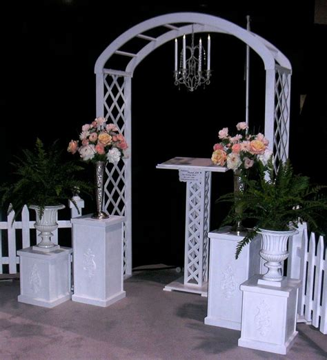 Wedding Arch For Rent by Rent Wedding Arch Classic White Trellis Arch Rental