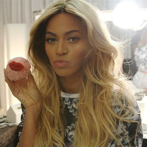 how to get beyonce hair color where to score gorgeous highlights and ombr 233 hair in la