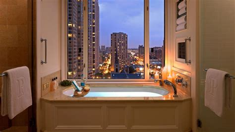 hotels in chicago with tubs in the room 5 executive suite the peninsula chicago