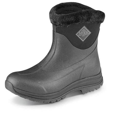 muck s arctic apres slip on waterproof rubber boots