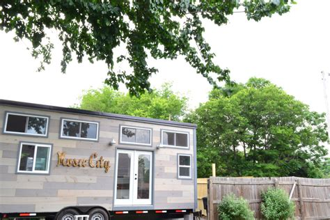 music city s tiny house in nashville music city tiny house tiny house swoon
