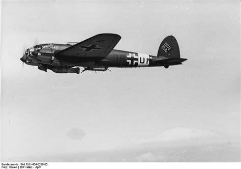 heinkel he 111 the file bundesarchiv bild 101i 424 0280 05 flugzeug heinkel he 111 jpg wikimedia commons