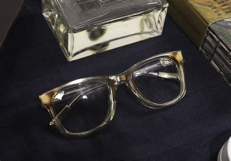 the clear frame glasses trend clear glasses thebestfashionblog com