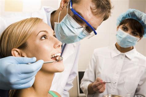 Biaya Pemutihan Gigi Di Dokter 8 profesi yang akan bersaing di era mea inspirator freak
