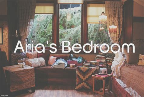Pretty Liars Bedrooms by 16 Best Images About S Bedroom On Damasks
